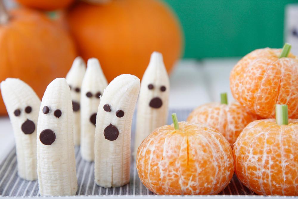 Tangerine Pumpkins + Banana Ghosts: Fruity Halloween Really nice recipes. Every hour.