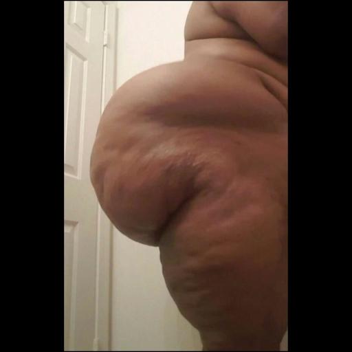 basetee86:  Love. Randalin  That ass is amazing