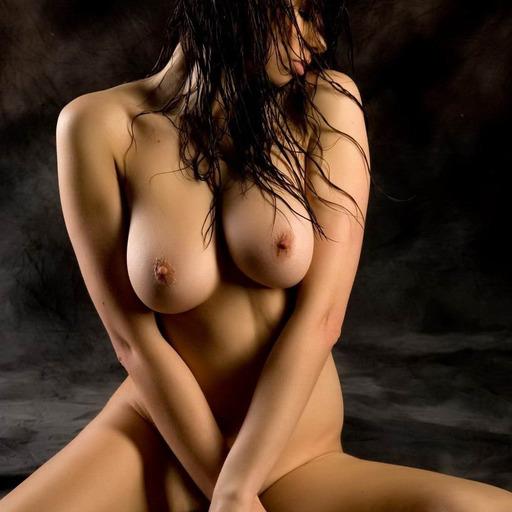 idontneedausernamedammit: stripping-videos:   brummie29:  Mmmmm