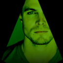 http://arrowbrasil.tumblr.com/