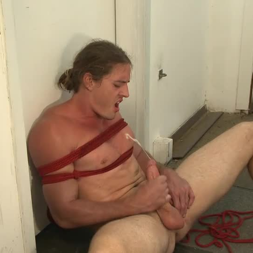 pornboy2011:Made a promise to @bromoexhib that I would post this.