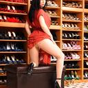 gina-queen-of-heels