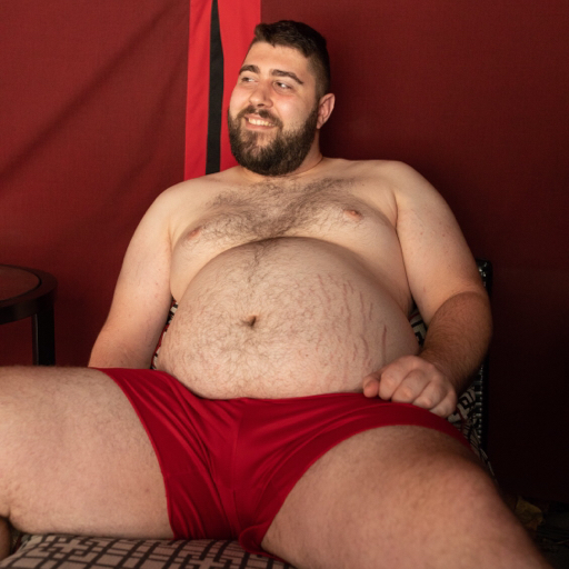 sumxtra: nvhomobear: That feels better!  That belly alone is