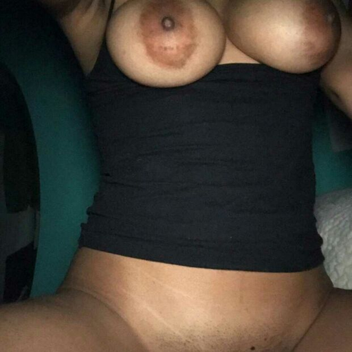 tittymasseur:  Flashing titties…. And get nipples are pierced