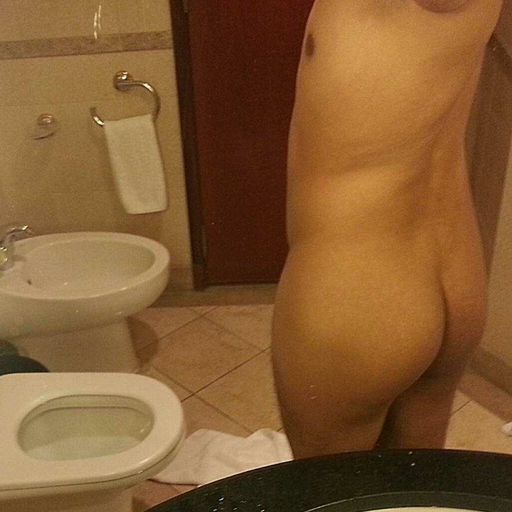 twinklover:  dirtykink892:  That dicks so thick, it takes two