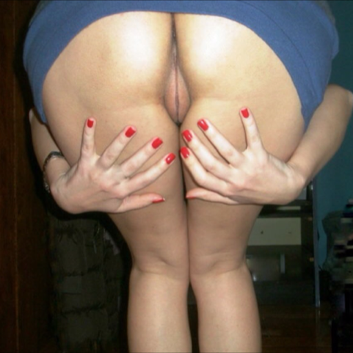 franksmostlyamateurs:  My wife loves doing this with me. I tweeze