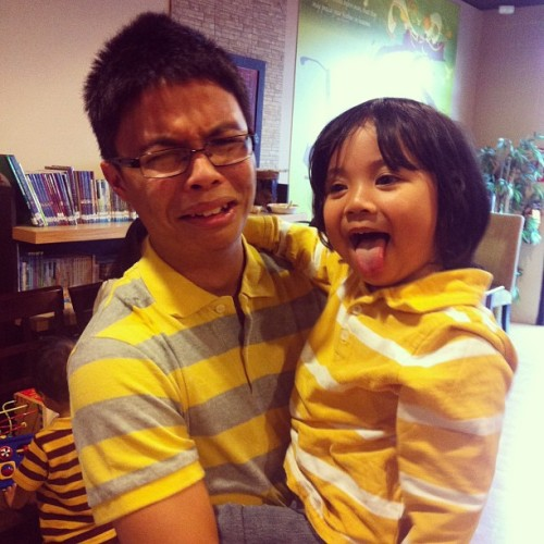 He kept licking @ay_jp's shirt 😝😂 #matching #namwaran