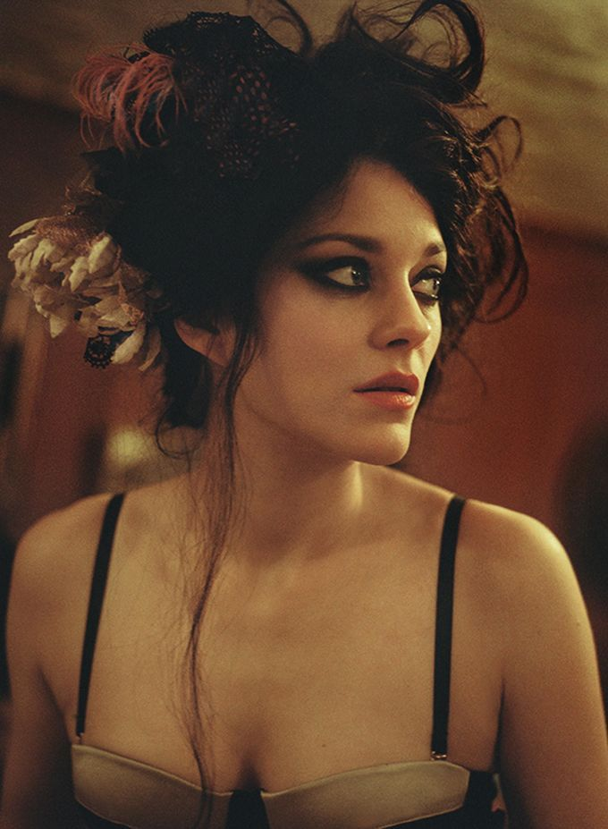 bohemea:  Marion Cotillard in David Bowie's video for The Next Day