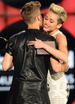 justin-bieber-has-that-sexy-swag:  Justin and Miley at the Billboard music awards