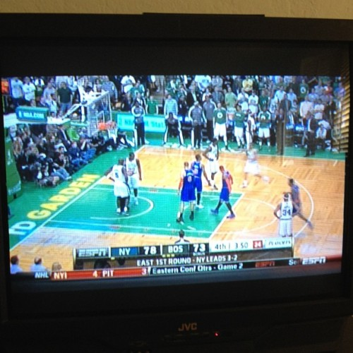 This Celtics vs. Knicks game  is NUTS!!! Celtics with a 20-0 point run and now it's anyone's game. #NBA #Playoffs #Celtics #Knicks #Comeback
