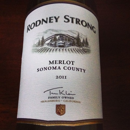 Rodney Strong 2011 Merlot: This is a fruit-forward, easy-drinking, and satisfying Merlot from Sonoma County that is widely available and worth seeking out. I can regularly find it here for $13, which is a good deal IMO. There's still plenty of days left to grill, and this budget-friendly Merlot will pair well with burgers, grilled sausage, and barbecue chicken. It is also a nice bottle to open for mid-week pizza night with friends. (Other info: ABV 13.5%, cork enclosure.) #Sonoma #Merlot #wine