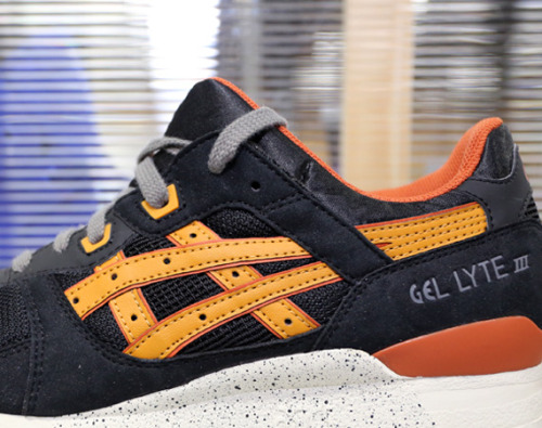 getyourtitsoutlove:  Asics Gel Lyte III 'Project Las Vegas' in black/tan Fall 2013 preview