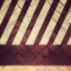 lisawiseman:  #shadow on #brick