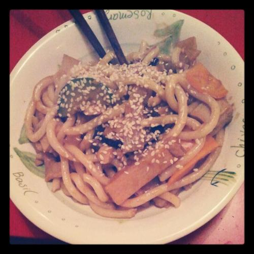 vegan chicken, asian mushrooms, vegetables, bamboo with udon noodles in hoisin sauce. Topped with sesame seeds. New favourite dish