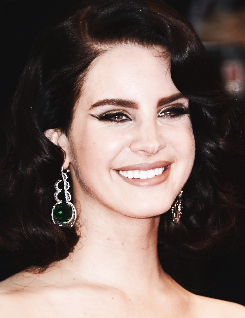 pattinson-mcguinness:  Lana del Rey @ The Opening Ceremony and 'The Great Gatsby' Premiere during the 66th Annual Cannes Film Festival 5/15