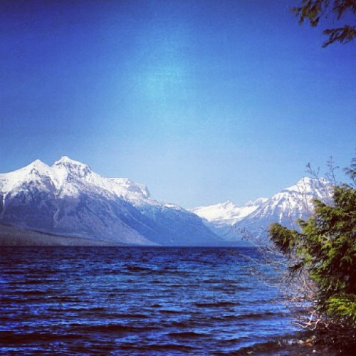 megancraneandcaitlincrews:  Lake McDonald.  this would be a great view to write to today!