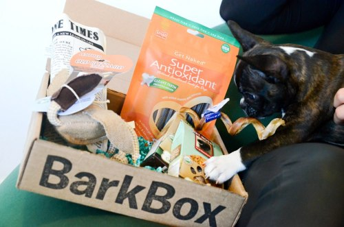 BarkBox is have a great promotion! Get a monthly box of treats, toys and products that drive dogs wild! All treats and edibles are made in the USA — we also donate 10% of our proceeds to dog rescues and shelters! Plans start at $18 per month. Order a new subscription on http://bit.ly/15aLU1f before Thursday (2/14) at midnight EST and get $10 off your order with coupon code FBBBX5OFF2.