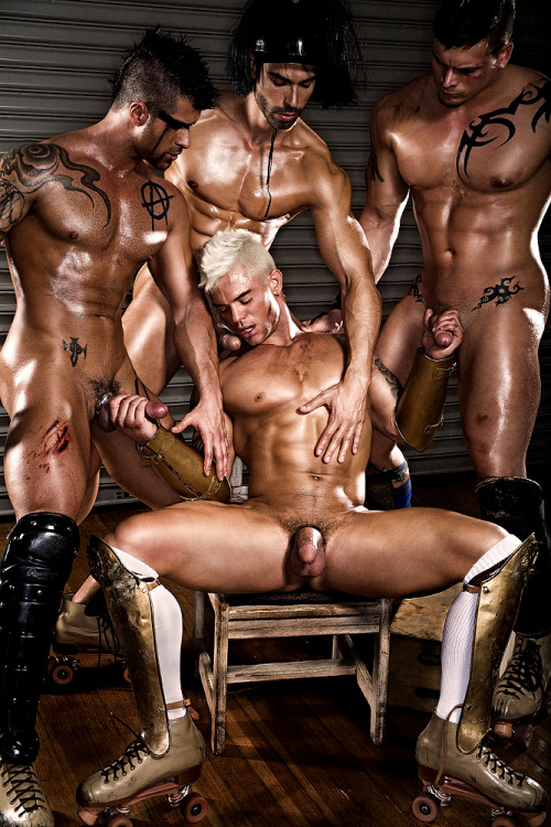 bisexualpulse:  4 hot men
