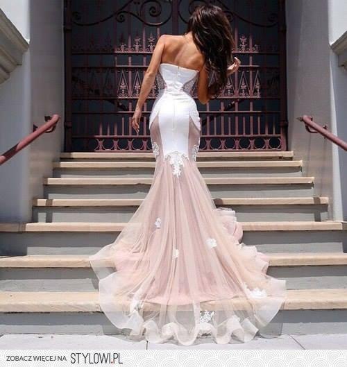 Najljepše haljine - Page 20 Tumblr_nezf66s81e1u1iffro1_500