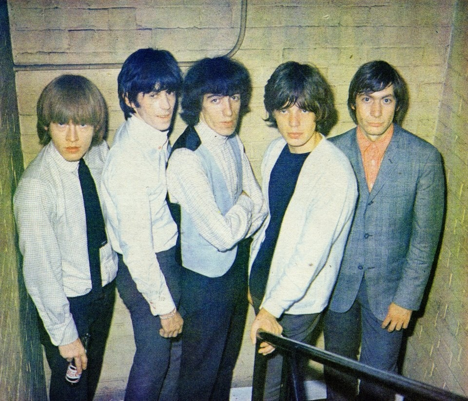 BRIAN JONES, KEITH RICHARDS, BILL WYMAN, MICK JAGGER et CHARLIE WATTS