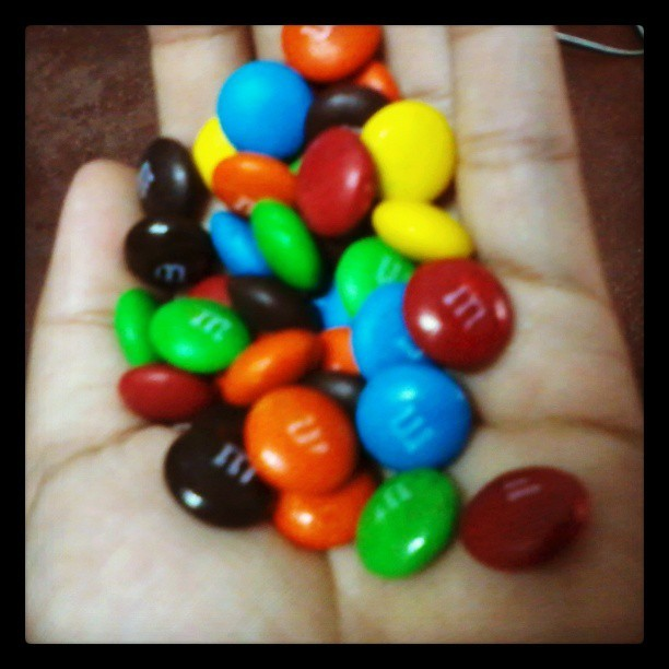 d ko mapigil sarili ko sa pagkain nito :)) #m&m's #CHOCOLATES #instacool #instagood #sweet #love #picoftheday #IGersmanila #IGersphilippines #followme #ifollowback #Igersph #instagramers #photography