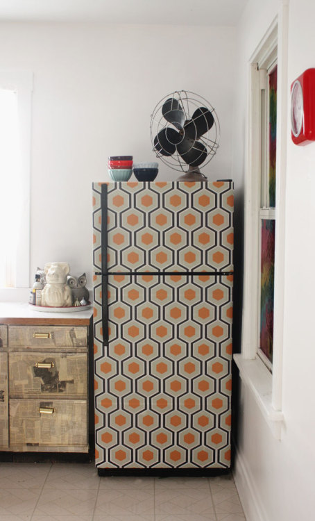Wallpapered Fridge {How to} Found at: auntpeaches