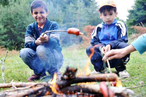 4 all-inclusive Boy Scouts alternatives If you'd like your son or daughter to earn a badge in nondiscrimination alongside camping and community service, these groups might have what you're looking for.