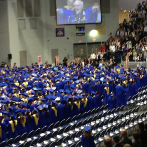And the waiting is over! Congratulations to the Class of 2013! #hofgrad13 #hofstra #campus  #college