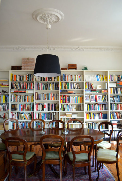 Source: Apartment Therapy What a library! These people certainly like to read. I think it could benefit from a little styling, but what a fantastic place to have dinner.
