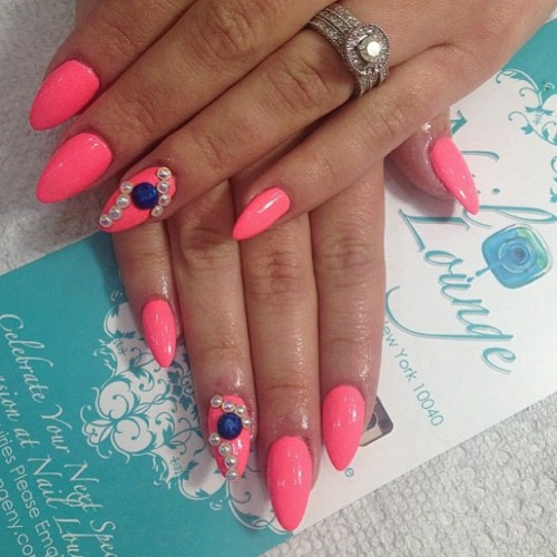 🍸💅 by @angienaillounge #nail #nails #naillounge  (at Nail Lounge)
