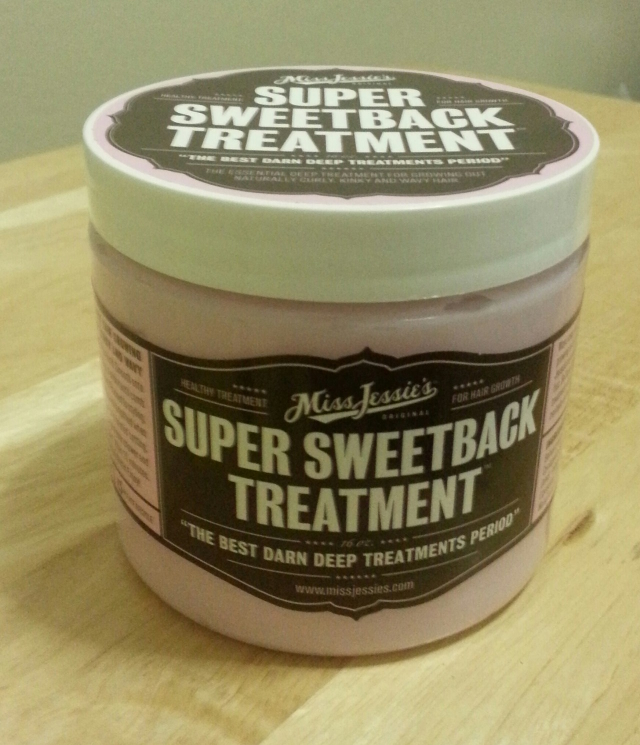 Natural Hair on The Corner- Miss Jessies Super Sweetback Treatment (Winter Hair Care) So the lovely ladies over at Miss Jessies has done it again. I love the Super Sweetback Treatment. Its a deep conditioner that has my hair absolutely soft and smelling oh so sweet. No, like seriously, its been 3 days since I used it and I can still smell the fragrance in my hair. Its not a harsh or overbearing smell. Its a little yummy. Someone will want to snuggle close and its cold as hell in NYC right now so that may be a goal of yours. Anyway, the temperatures outside are harsh and you need to make sure your hair is as strong as possible. You want to combat dryness and make sure there's no breakage from your winter accessories or just plain ole neglect. Go out and grab this. I think you'll enjoy it. xo Brandis