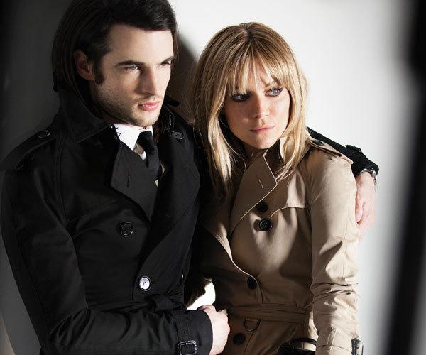 Burberry Prorsum F/W 13.14: Sienna Miller & Tom Sturridge by Mario Testino
