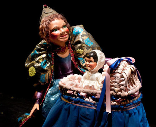 Dallas Children's Theater presents Rumpelstiltskin by Kathy Burks Theatre of Puppetry Arts playing March 8 – April 7, 2013 at DCT's Rosewood Center for Family Arts. #kids activities #famil yfun #childrens theater #things to do in Dallas http://www.themomsjournal.com/rumpelstiltskin-opens-friday-with-a-big-party/