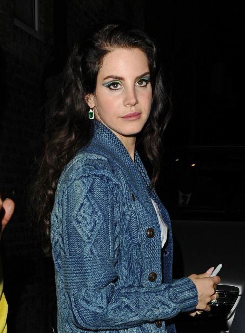 Lana Del Rey leaving Hammersmith Apollo after performing there this evening