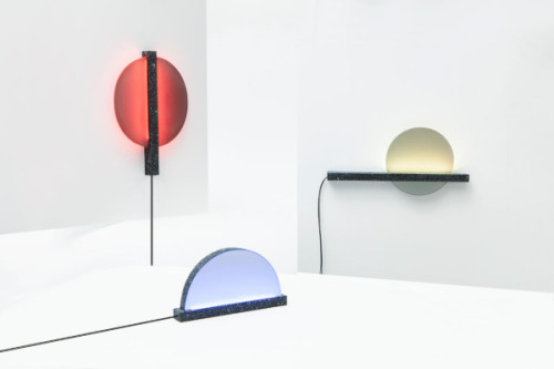 Internet-Connected Ambient Lights Keep You In Touch With Others Caroline Williamson, design-milk.com The Benetton Group's communication research center, Fabrica, is no stranger to the interweb pages of Design Milk, as everything they launch is nothing short of incredible. Their latest is Patch of Sky, a set of three internet-connected lamps that…