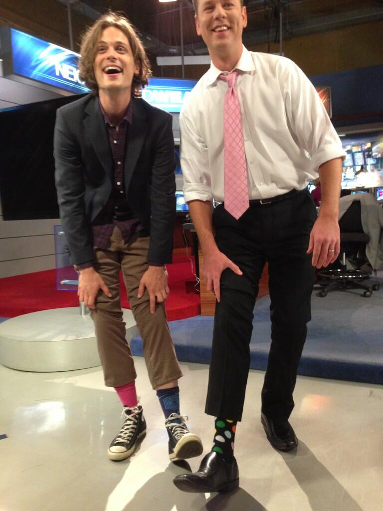 @mbshafer: Sock shot with @GUBLERNATION and @BrianLoftus8 this morning @8NewsNow. #whowearscrazysocks #vegas   Right: solid, pink; Left: pattern - ?, blue.
