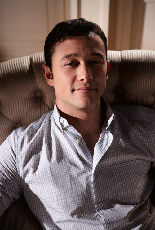 jglnews:  repimg:  Joseph Gordon-Levitt #06  repimg opened his treasure vault of unreleased TDKR promo pics again.