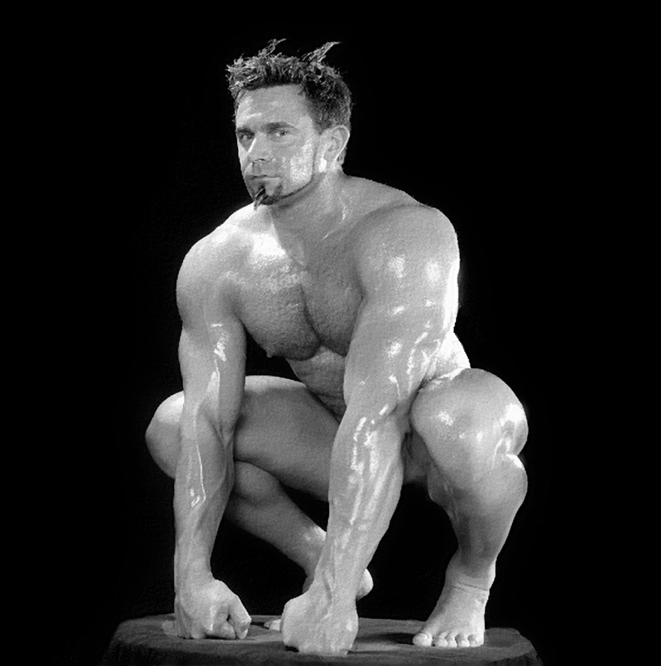 bannock-hou:  Oiled muscle. if you like slick, shiny men click here; OILED