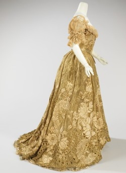 fashioninhistory:  Ball Gown Jacques Doucet 1898-1902 This piece is an exquisite example of a lavish ball gown made by one of the grandest French couture houses of the period. The material used is of the finest quality, extremely delicate and dramatically embroidered. The cut of the bodice is quite seductive, enhancing the silhouette.- The Metropolitan Museum of Art