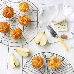 (Pear, Blue Cheese, & Walnut Muffins) Page in Polish
