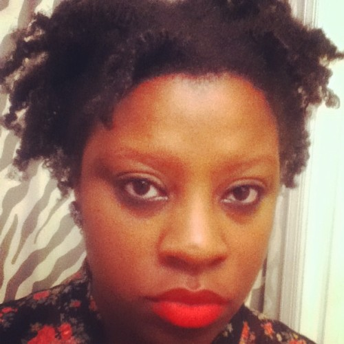 Twistout + a red lip