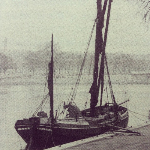 theparisreview:  The Duchin river barge from which the Paris Review was edited during the floods of 1956.