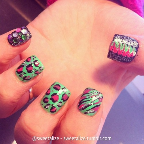 Mixed art on @leslie31210 💕 #gelnails #acrylicnails #cheetah #cheetahprint #leopard #leopardprint #abstract #animalprint #colorful #glitter #nails #nailart #naildesign #naildesign #naildesigns #beauty #fashion #salon #cutepolish #nailpolish #nailjunkie #nailswag #nailartclub #nailsdid #nailstagram #nailartoohlala #nailartaddicts #nailsoftheday #nailartofinstagram #nailartcult
