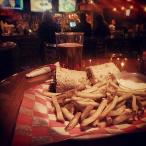 Over-the-road local eats. #food #bars #south #southcarolina #sc #beer #goodfind #otr #truckdriving #trucker  (at Tailgaters)