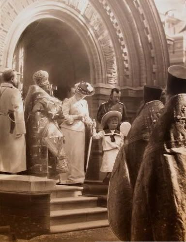Empress Alexandra, Grand Duchess Olga, and Nicholas II in Moscow for Grand Duchess Olga's First Confession: 1903.
