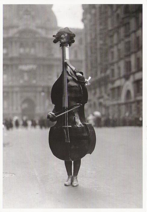 bella-illusione:  Dr. Otto Bettmann Walking Violin in Philadelphia Mummers' Parade, 1917 From The Bettmann Archive: More than 100 years of history