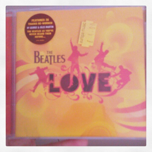 good start to the day <3  (should probably take the price tag off)  #thebeatles #love #europamusic #psych #apple