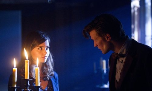 somethingfangirly:  doctorwho:  Doctor Who finale prequel starring Matt Smith and Jenna-Louise Coleman to screen via BBC Red Button | Radio Times  Matt Smith and Jenna-Louise Coleman will star in a special mini episode of Doctor Who – a prequel to the series seven finale – available to watch via the BBC's interactive (UK-only) Red Button service. Shot in a dreamlike style and set in a dusty old museum, He Said, She Said will see the Doctor and companion Clara talking directly to camera as they reflect on how little they really know about one another. The three-minute prequel will first become available to watch following the penultimate episode of Doctor Who series seven on Saturday 11 May. Viewers will be able to access it between 7:40pm and 12 midnight by pressing the red button on their remote controls and selecting Doctor Who. They can then watch it again each evening right up until the final episode airs on Saturday 18 May on BBC1 – and the Doctor and Clara's secrets are finally revealed…   It's times like these I wish I lived in the UK. :/  Update: The clip will also be available outside of the UK via the BBC America YouTube channel. We'll post it to this blog as soon as it goes live.
