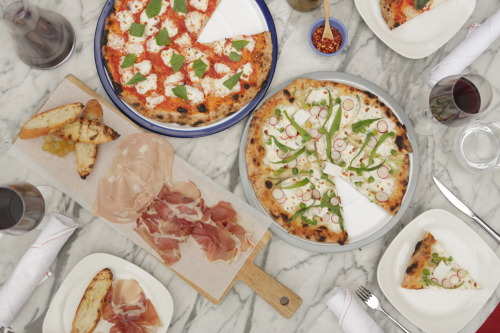 standardhotels:  There is a Pizza Party on The Plaza at The Standard, High Line - come check it out!