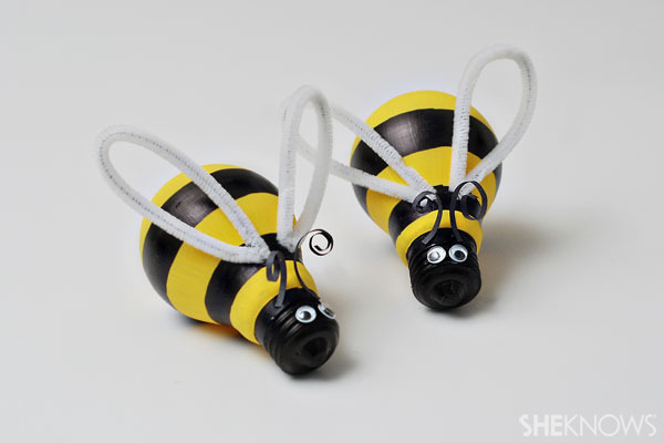 Light bulb bumblebees, yarn butterflies, & wind chimes - oh my! Celebrate spring with these craft ideas - ad http://bit.ly/WKqrpI